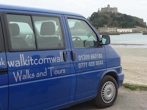 ellie and paul at st michaels mount 600 x 450